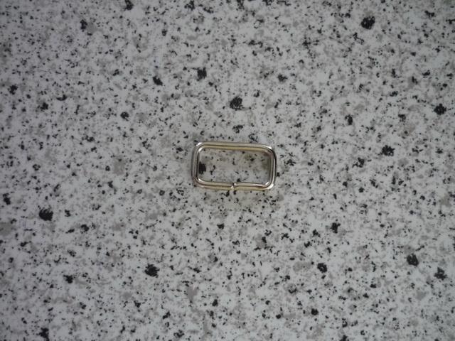 szögletes bújtató 16mm